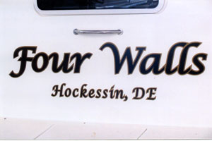 how do you design vinyl boat lettering